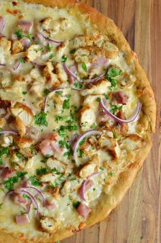 This chicken cordon blue pizza recipe will be a hit at family game night. Pizza Recipes, Chicken Recipes, Cooking Recipes, Healthy Recipes, Fruit Recipes, Seafood Recipes, Recipies, Chicken Cordon Blue, Pizza Special