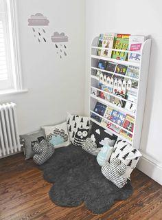 bookshelf and reading nook for the kids! #stuffdot