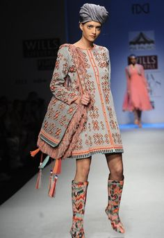 Scarlet Bindi - South Asian Fashion: Wills Lifestyle India Fashion Week Fall/Winter 2013: Day 4 & 5