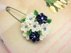 flower scarf pin blue white flower bouquet kanzashi by JagataraArt