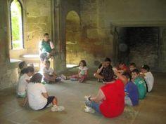 La planta baja del castillo de Olite tiene jardines y estancias nobles