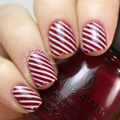 Cool Christmas manicure nail art❣ (specifics @ link) • thenailpolishchallenge • Instagrin