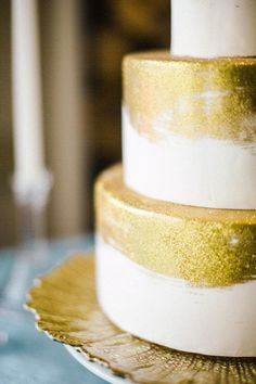 Gold Glitter Wedding Cake | Scott Andrew Studio | Bold and Bright Wedding in Blue and Gold