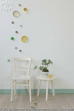 DIY chairs, plates, holes © Rosalie Noordam & Anouk De Kleermaeker