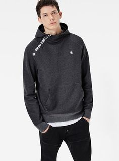 G-Star raw - mikina core čierna answear. Cheap Mens Fashion, Mens Fashion Wear, Fashion Hats, Casual Wear For Men, Streetwear Shop, Business Casual Men, Mens Joggers, Mens Sweatshirts, Shirt Style
