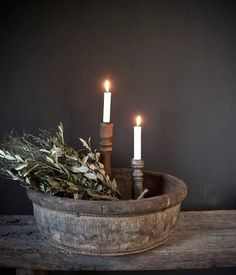 Ronde nepalese oude houten bak (Olijfbak) Christmas Lights Inside, Teal Wall Art, Christmas Light Installation, Candles In Fireplace, World Decor, Candle Wedding Centerpieces, Teal Walls, Christmas Wonderland, Led Candles