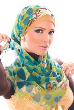 Styling Fashion: Hijab and Fashion images Islamic Fashion, Muslim Fashion, Hijab Fashion, Ethnic Fashion, Modest Fashion, Muslim Girls Photos, Muslim Pictures, Muslim Images, How To Wear Hijab
