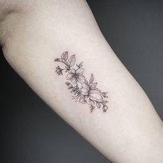 120.2 mil seguidores, 166 seguidos, 643 publicaciones - Ve las fotos y los vídeos de Instagram de Small Tattoos (@small.tattoos)