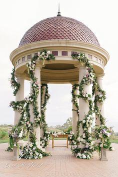 Nisie's Enchanted Florist, wedding ceremony, floral arrangements, Pelican Hill, roses, purple lizzy, burgundy dahlia, amaranthus, greenery, wedding florals, greenery,  outdoor wedding, luxury wedding