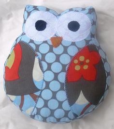 Cosa mucho tiempo, coser la tela poco: Owl Softie Patrón libre / Tutorial