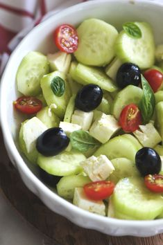 Healthy Salads, Healthy Eating, Cena Light, Feta Salat, Vegetarian Recipes, Healthy Recipes, Food Decoration, Diy Food, Finger Foods