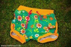 Nähfrosch Nähen für Kinder Sewing for Kids Retro Shorts Schnittmuster Grashopper aus Ottobre Stoff Summermeadow von Nicibiene