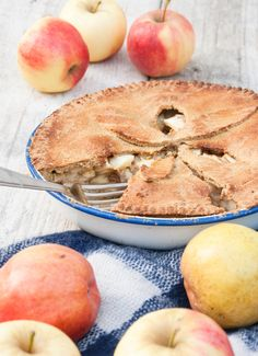 Tourte Pomme Coing Vegan Desserts, Vegan Recipes, Dessert Recipes, Flan, Apple Pie, Sweet Recipes, Camembert Cheese, Cheesecake, Treats