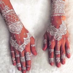 Obsessed with this beautifully delicate henna design. #daydreaming #ruedeseinebridal #inspiration photo source unknown Xx