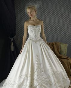 I love this fairy tale gown! only now i would have to have some sort of sleeve