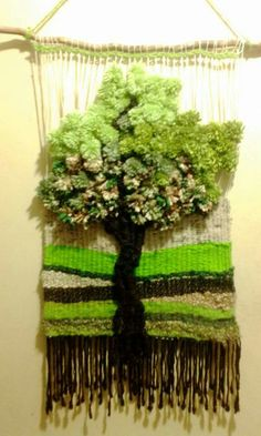 Arbol Weaving Textiles, Weaving Art, Weaving Patterns, Tapestry Weaving, Loom Weaving, Yarn Crafts, Sewing Crafts, Diy And Crafts, Weaving Wall Hanging