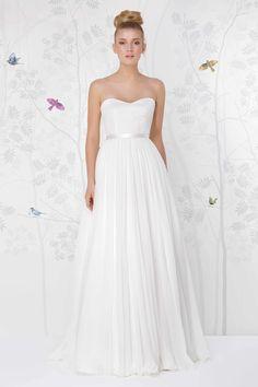 SADONI wedding dress LANA with sweetheart neckline and A line figure
