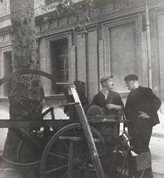 Robert Doisneau, Blaise Cendras, Cours Mirabeau, Aix-en-Provence