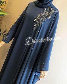 632 mentions J'aime, 29 commentaires - Yasemin Deşat ( sur Inst. Niqab Fashion, Muslim Fashion, Fashion Wear, Fashion Outfits, Muslim Dress, Hijab Dress, Pakistani Dress Design, Pakistani Dresses, Modele Hijab