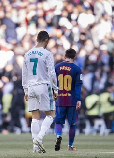 Cristiano Ronaldo and Lionel Messi compared: who has performed better in major finals? Cristiano Vs Messi, Messi Vs Ronaldo, Ronaldo Football, Messi 10, Messi And Ronaldo Wallpaper, Lionel Messi Wallpapers, Ronaldo Wallpapers, Best Football Players, Sport Football