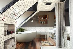 black grout with white subway tiles // bathrooms