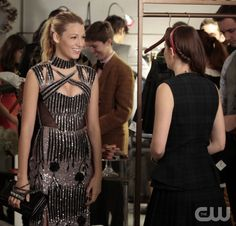"""GOSSIP GIRL-- """"Save the Last Chance""""-- mage GO607A_0020 Pictured (L-R): Blake Lively as Serena Van Der Woodsen and Leighton Meester as Blair Waldorf - Photo: Giovanni Rufino/The CW -- © 2012 The CW Network.  All Rights Reserved."""