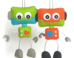 Smiley Robot-PDF-Schnittmuster-Cute Robot Spielzeug-DIY-Handmade Source by Sewing Stuffed Animals, Stuffed Animal Patterns, Presents For Boys, Gifts For Boys, Sewing Toys, Sewing Crafts, Diy Toys, Toy Diy, Cool Baby