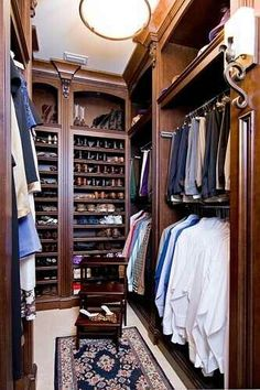 men's walk in closet dressing room dark wood and shoe storage shelves Men Closet, Closet Bedroom, Master Closet, Closet Space, Master Bedroom, Walk In Wardrobe, Walk In Closet, Preppy Wardrobe, Gentleman Mode