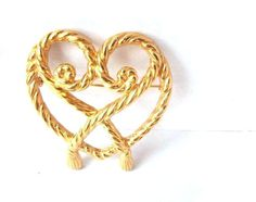 gold heart brooch  You Roped Me In by thelittleantiquarian on Etsy, $10.00
