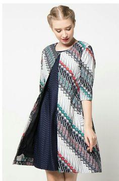 Chic Batik Outfits For Your Trend Batik Blazer, Blouse Batik, Batik Kebaya, Kebaya Dress, Model Dress Batik, Modern Batik Dress, Dress Batik Kombinasi, Outer Batik, Batik Fashion
