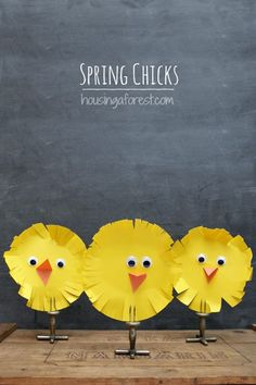 Cute Easter Kids Craft Roundup on OneCreativeMommy.com {Spring Chicks Craft and more}