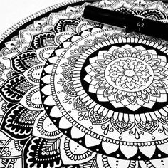 "57 Likes, 5 Comments - Kelsey (@kelsey_jayne_) on Instagram: ""Should start a new one already, come at me motivation #mandala #mandalaart #pen #bw #lineart…"""