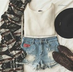 Image via We Heart It #chic #clothes #fashion #grunge #outfit #style #tumblr #weheart #2015
