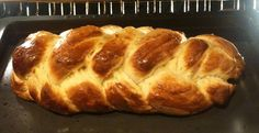 Actually it IS yummy. Pulla is Finnish bread made with cardamom and I only make it at Christmas. The leftovers make great French Toast too! Fun Food, Good Food, Finnish Recipes, How To Make Bread, Christmas Baking, Breads, French Toast, Food Ideas, Bakery