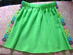 Size 5 Green Daisy Skirt by AnaSie