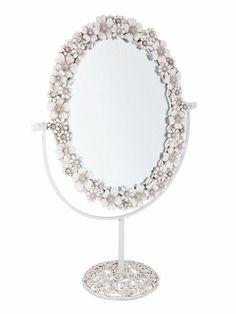 Espejo para tocador decorado con flores blancas