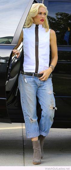 Gwen Stefani in boyfriend jeans