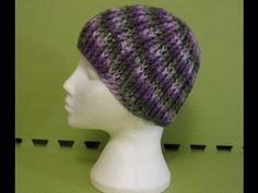 Ribbed Reversible Beanie Looks super cool....I'll have to try this for the winter.