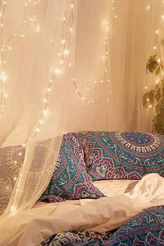 The 11 Best College Dorm Must Haves - Firefly String Lights