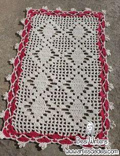 Artes da Desi: Tapete Simples de crochê com gráfico Crochet Square Patterns, Doily Patterns, Crochet Squares, Crochet Motif, Crochet Doilies, Crochet Flowers, Crochet Stitches, Crochet Home, Diy Crochet