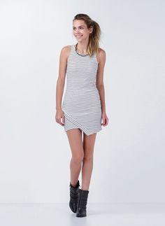 Vestido Assimétrico Listrado