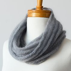 Weightless with warmth, this cowl gives the appearance of volume without the bulk of heavier weight yarns. Welted Cowl, free pattern by Jane Richmond