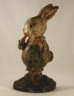 Antique Cast Iron Doorstop Rare Peter Rabbit Eating Carrot By Hubley