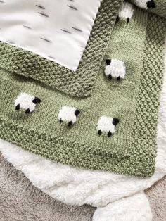 Project Files: Fabric Backed Knit Sheep Baby Blanket, . Project Files: Fabric Backed Knit Sheep Baby Blanket, Diy Abschnitt, Knitted Baby Blankets, Baby Blanket Crochet, Crochet Baby, Crochet Owls, Hat Crochet, Crochet Animals, Quilt Baby, Baby Knitting Patterns, Free Knitting
