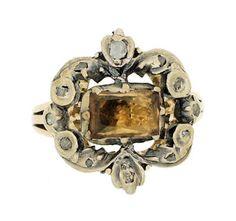 Anillo del siglo diecinueve con un topacio y diamantes - Nineteenth century ring with a topaz and diamonds