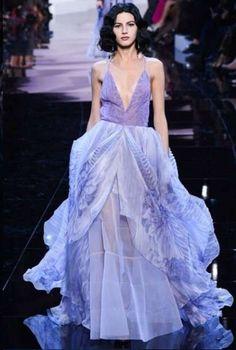 Armani spose modello mauve con gonna a strati - haute couture primavera/estate 2016.