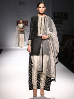 BLACK 'n' WHITE BRILLIANCE by Payal Singhal. Shop now at www.perniaspopups... #new #designer #fashion #updates #shopnow #perniaspopupshop #happyshopping
