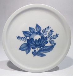 Vintage arabia finland wall plaque / plate art pottery blue rose hand painted