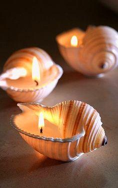 Cute DIY Tutorial - Making shells into candles - beach crafts - shell crafts Seashell Candles, Seashell Crafts, Beach Crafts, Fun Crafts, Summer Crafts, Seashell Chandelier, Nautical Candles, Seashell Art, Decor Crafts