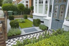 Beautiful Front Yard Garden Landscape For Farm House With Shrubs And Grass Garden As Well As Chess Patterned Floor Tile : Simple Yet Beautiful Gardens Landscape for Small Front Yard Garden